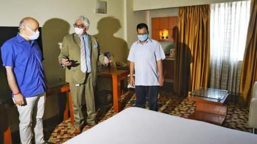 Delhi CM Arvind Kejriwal and Deputy CM Manish Sisodia visit COVID-19 Facility Center