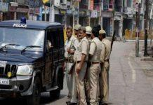 Police convoy Vehicle bringing Gangster Vikas Dubey overturned