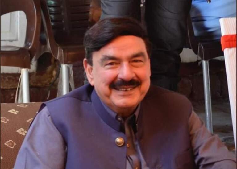 Pakistan Railway Minister Sheikh Rashid attack in London, people threw