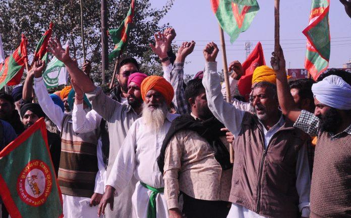 Kisan agitation continues on 5th day