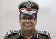 Yogi government removed Lucknow police commissioner
