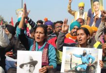 Farmer protests: slogans continue on Delhi border