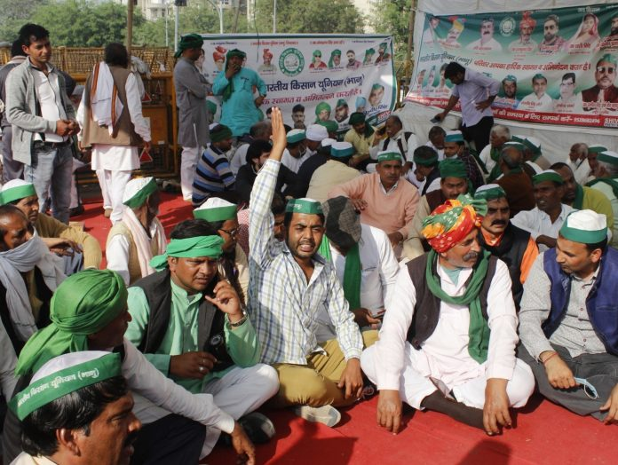 Farmers unanimously reject Center's proposal, will continue agitation