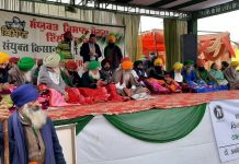 Farmer movement continues on 19th day, union leader on one-day hunger strike