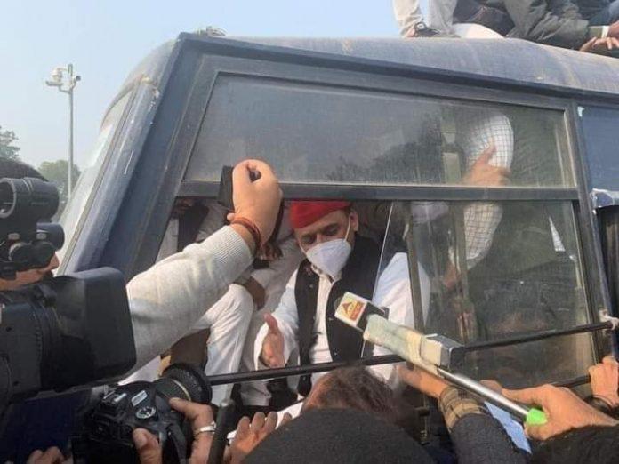 party national president akhilesh
