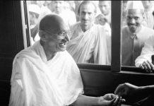 Mahatma Gandhi Jayanti 2021: Premchand quit job after hearing Bapu's speech