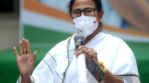 Mamta Banerjee sworn in as Chief Minister for the third time